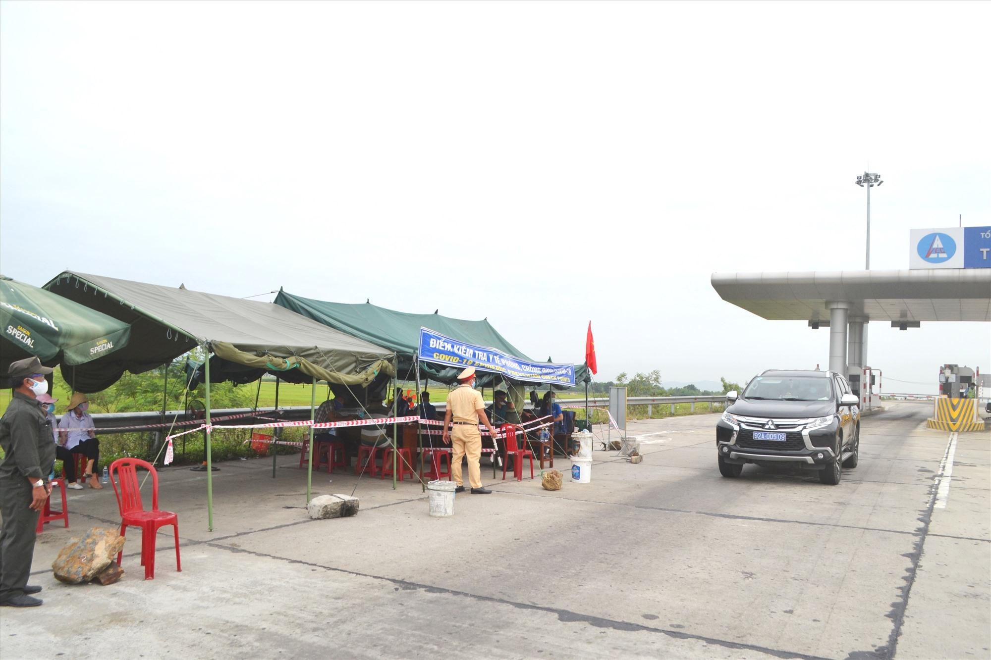Một chốt kiểm soát tại khu vực giáp ranh giữa Quảng Nam và TP. Đà Nẵng. Ảnh; C.T