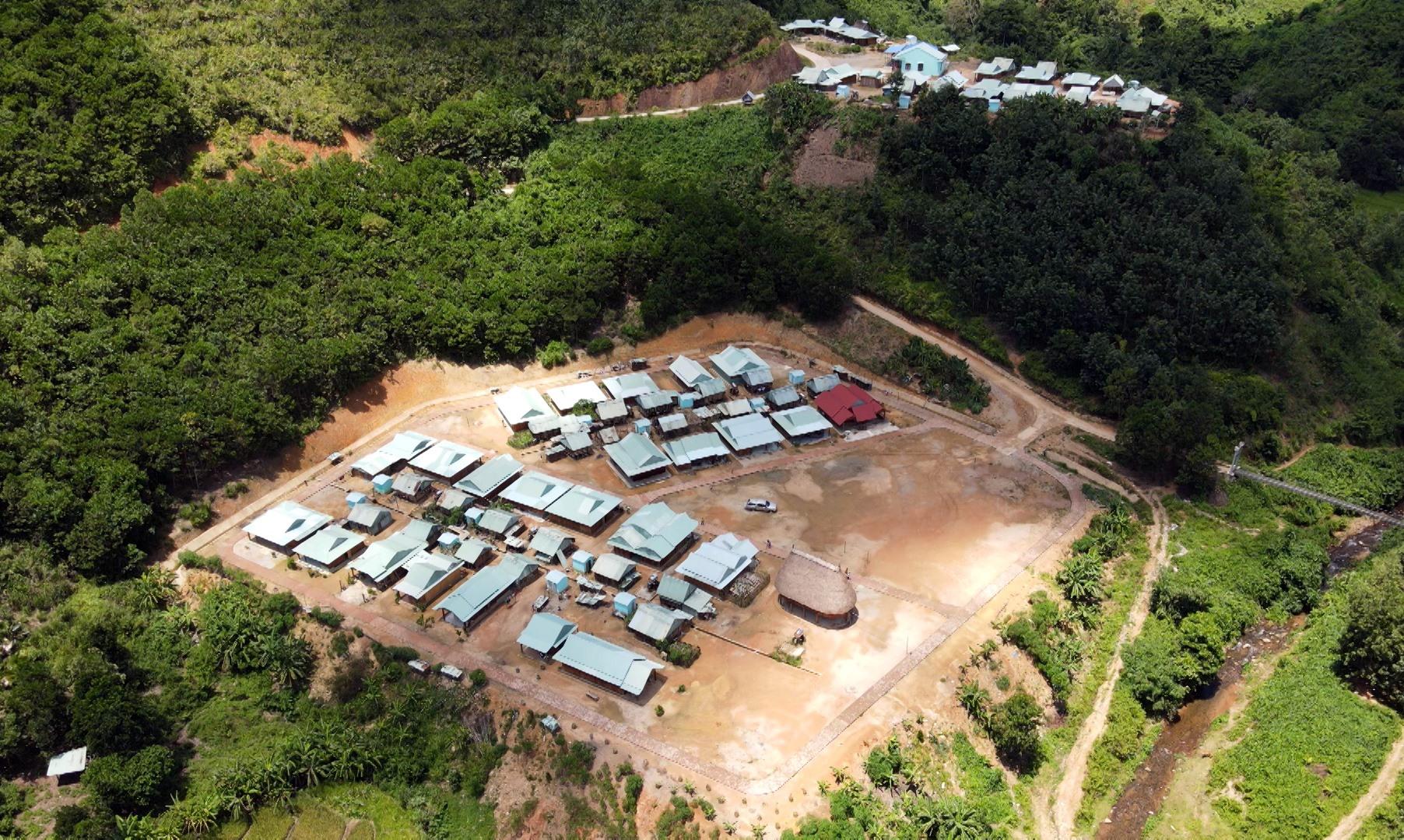 Khu tái định cư ở vùng cao được triển khai và hình thành dựa trên kinh nghiệm cộng đồng. Ảnh: GIANG NGỌC
