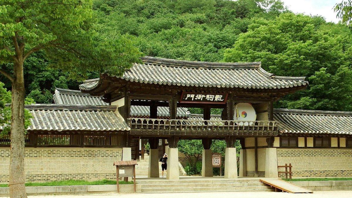 Kiến trúc nhà ở dân gian trong làng Minsokchon. Ảnh: tripadvisor