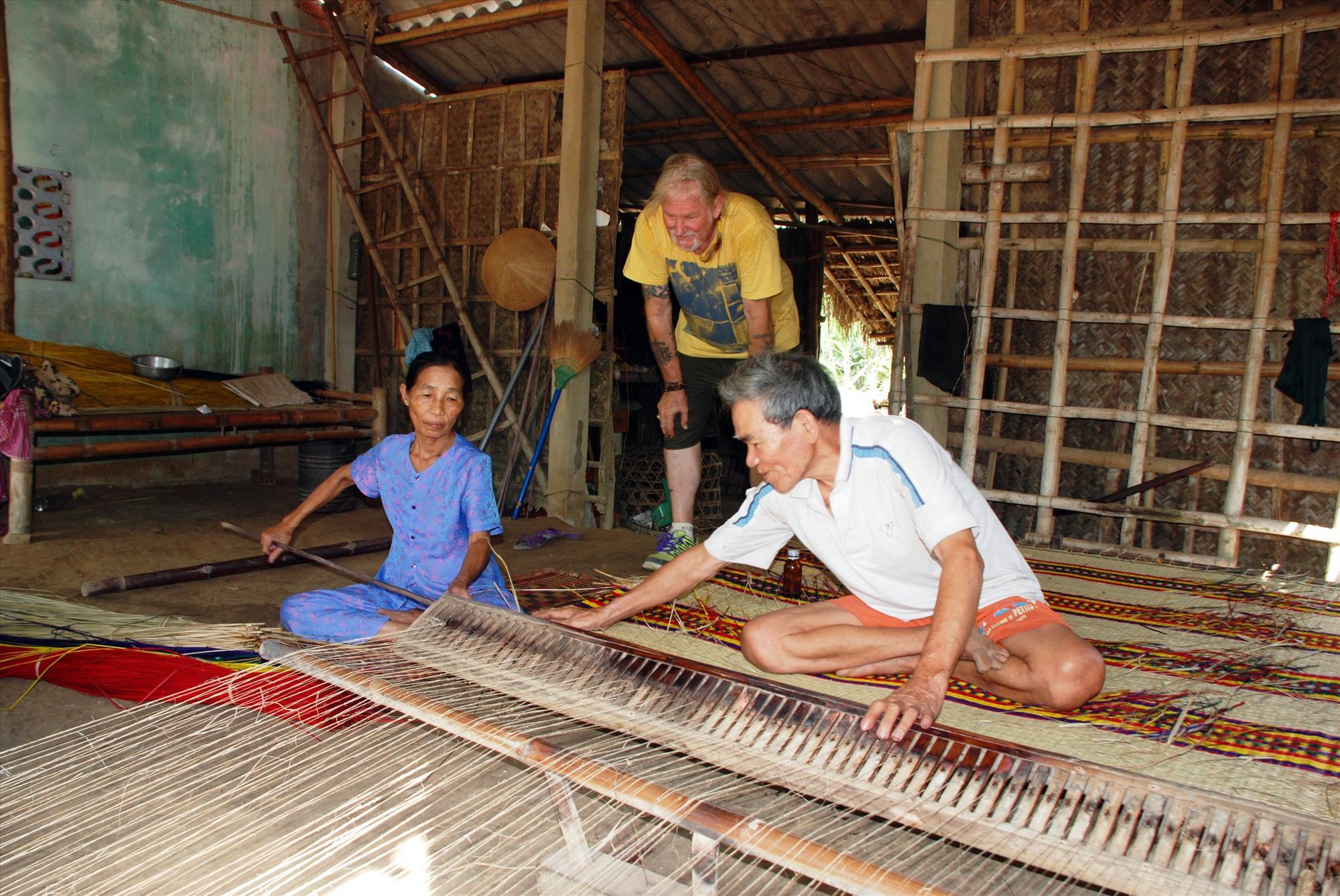 Văn hóa đặc sắc là một lợi thế lớn để phát triển du lịch cộng đồng ở Quảng Nam. Ảnh: TUẤN HIỀN