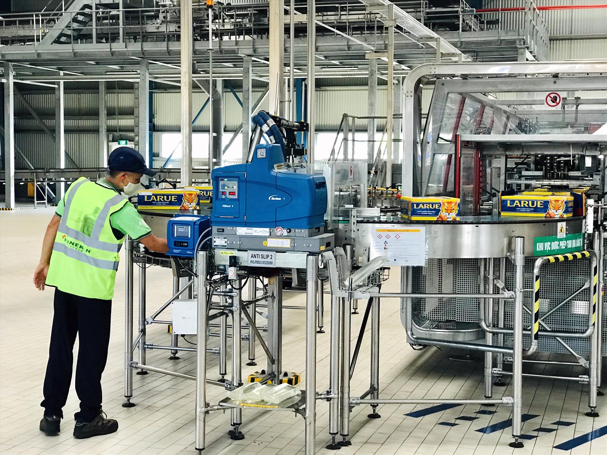 Cần nhiều hơn các doanh nghiệp sản xuất hiệu quả, ít tác động đến môi trường và đóng góp nguồn thu lớn cho ngân sách địa phương tại Khu công nghiệp Điện Nam - Điện Ngọc. Ảnh: Q.T