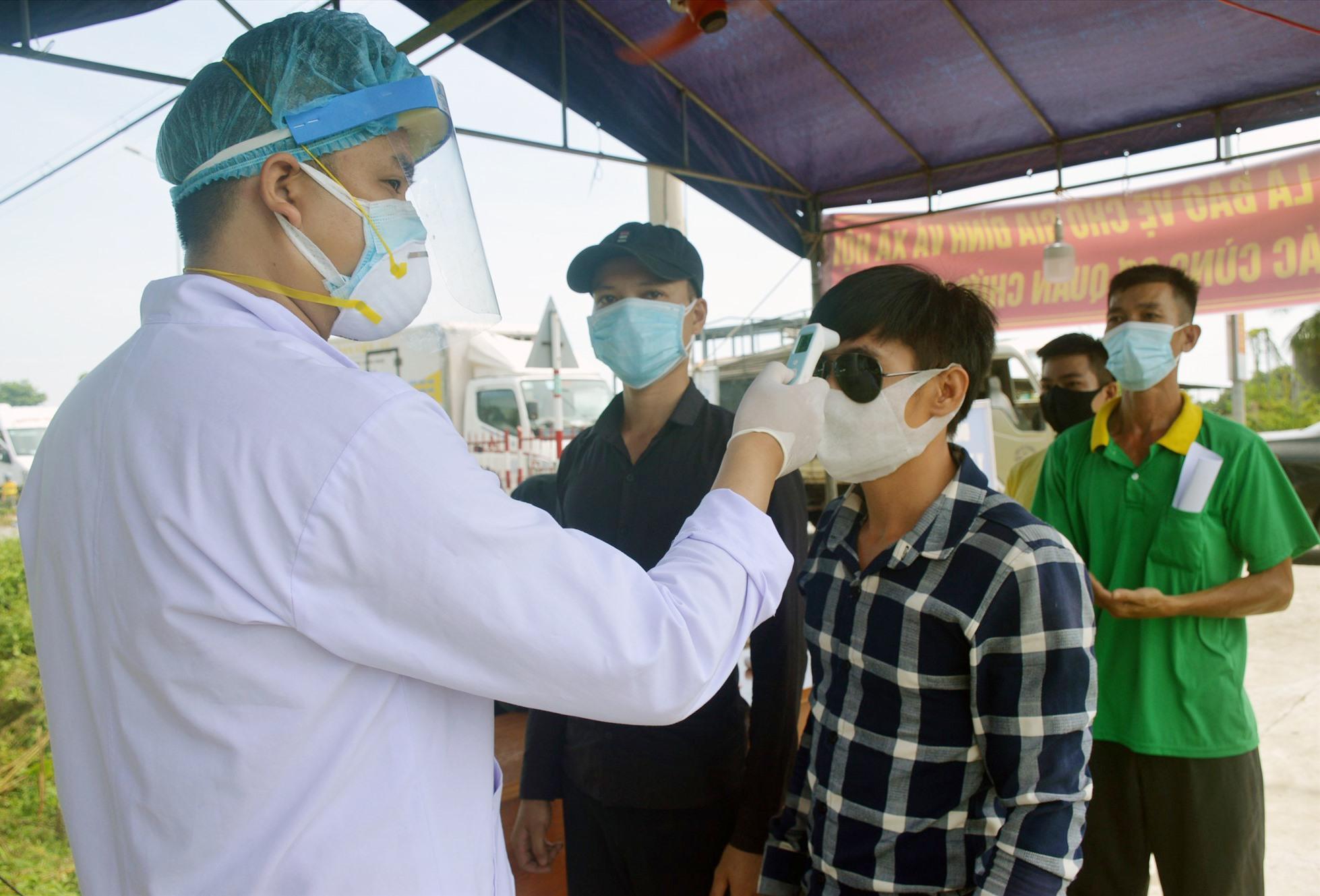 Ngành y tế Quảng Nam đang tìm cách cải thiện nguồn nhân lực hiện rất khan hiếm của mình. Ảnh: L.Q