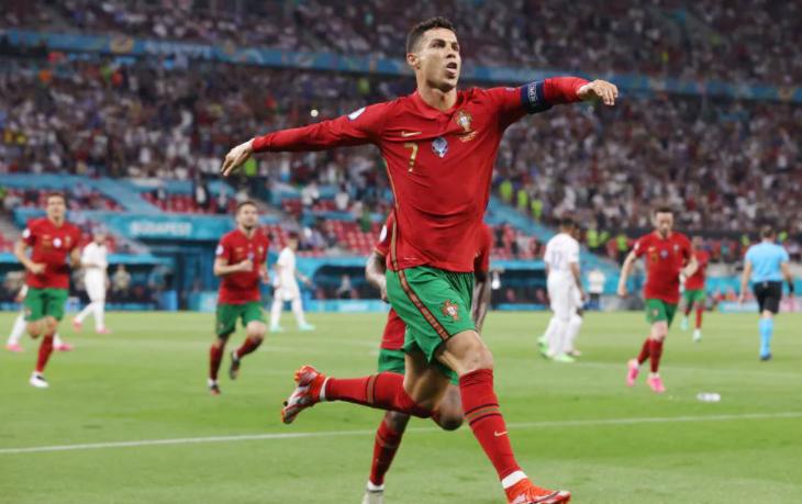 Cristiano Ronaldo (Bồ Đào Nha)