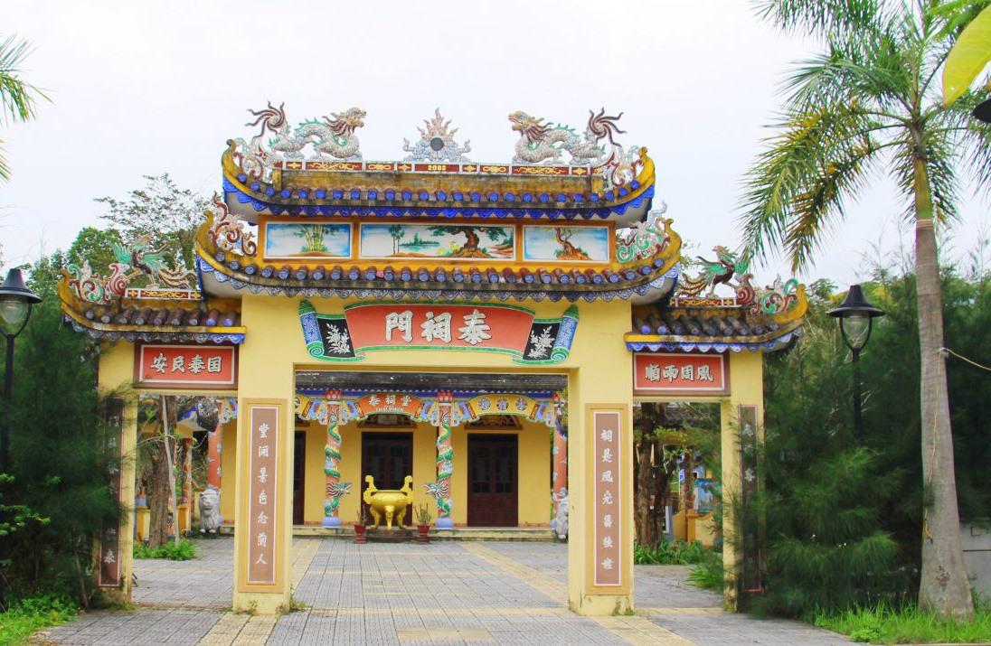 Nhà thờ tộc Thái tại làng Nghi An. Ảnh: LÊ THÍ