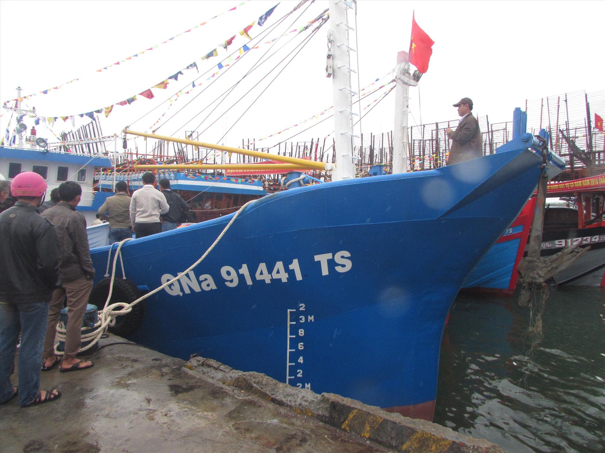 Giai đoạn 2016 - 2021, đội tàu đánh bắt xa bờ của Núi Thành có bước phát triển mạnh về số lượng, công suất. Ảnh: V.PHIN