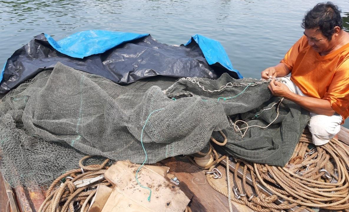 Tuyên truyền, vận động ngư dân tuân thủ quy định về ngư trường đánh bắt là giải pháp các ngành, địa phương đang tập trung thực hiện. Ảnh: VIỆT NGUYỄN