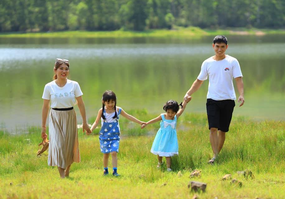 Gia đình bình an - xã hội hạnh phúc. Ảnh: L.T.K
