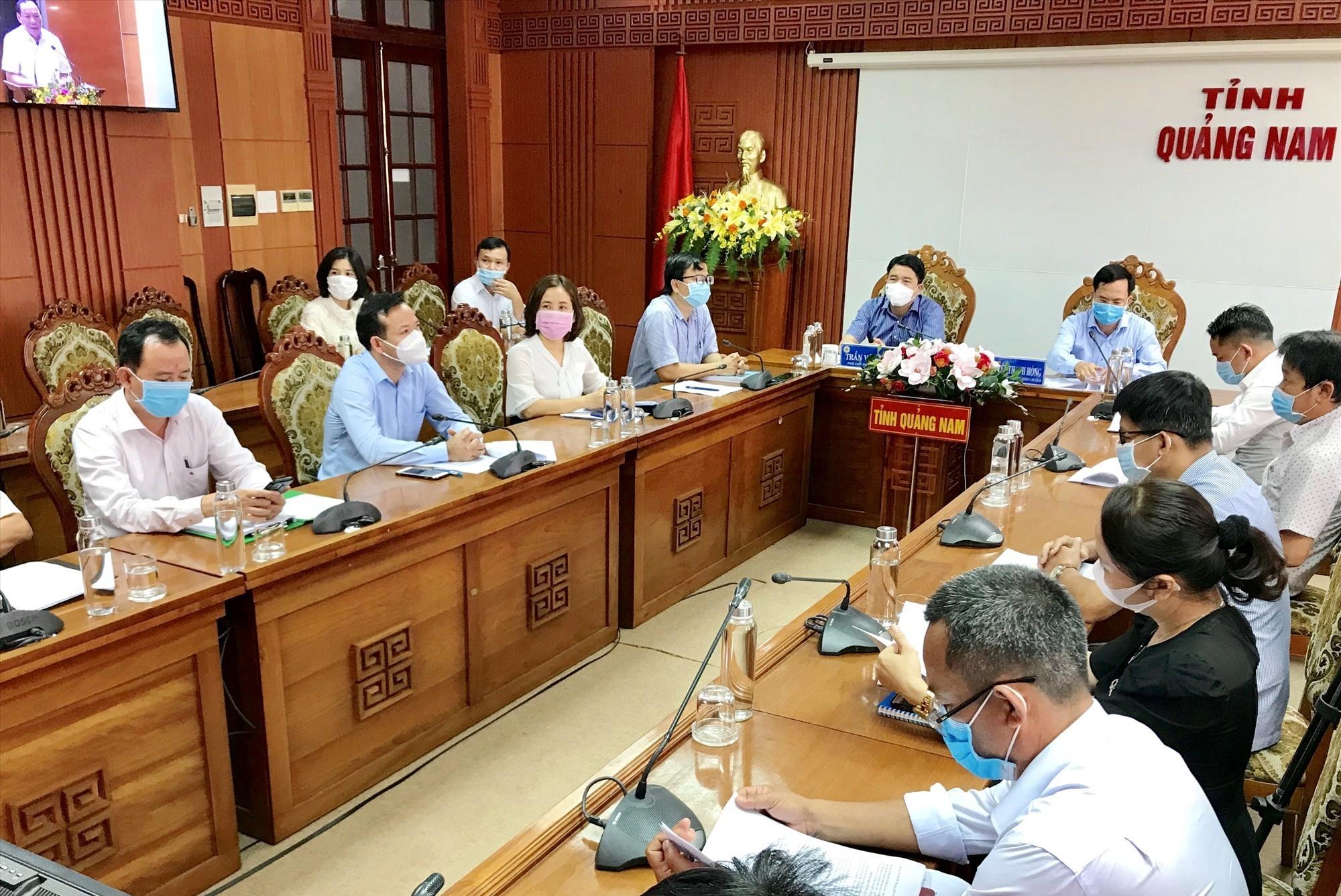 Quang cảnh buổi họp tại điểm cầu Quảng Nam. Ảnh: Q.T