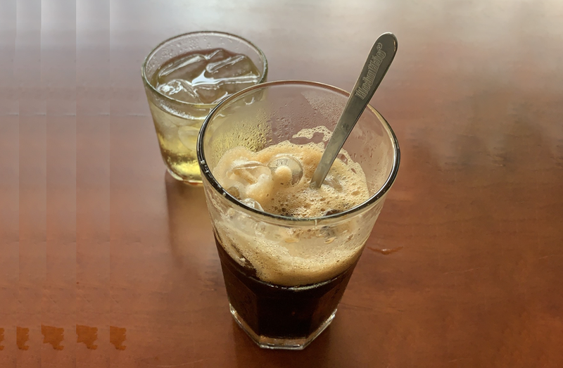 Uống nhiều caffeine có thể làm tăng tình trạng lo âu. Ảnh: NHẬT LINH