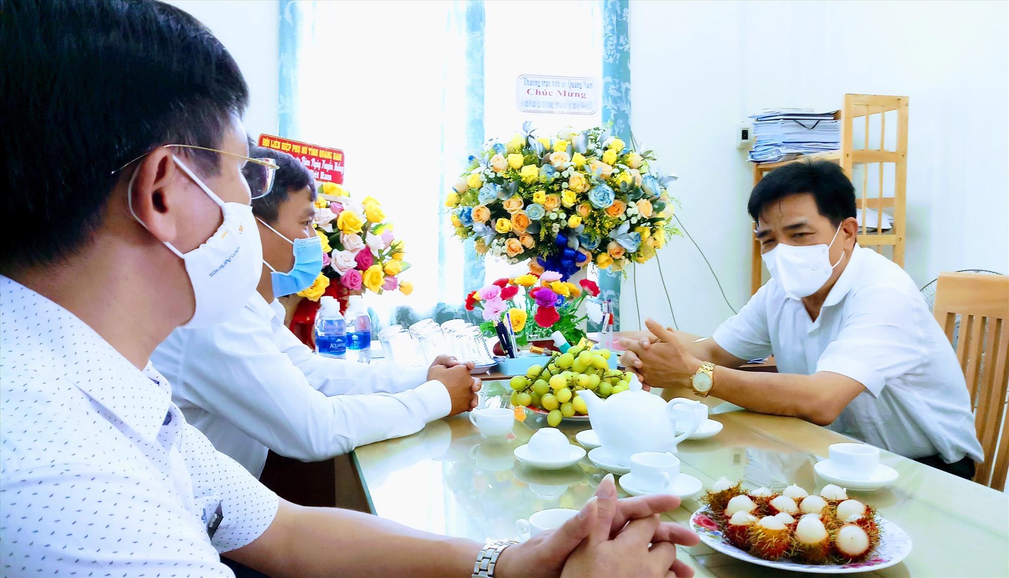 Đồng chí Lê Văn Dũng biểu dương và đánh giá cao những đóng góp của người cao tuổi trong sự nghiệp phát triển chung của tỉnh thời gian qua. Ảnh: A.N