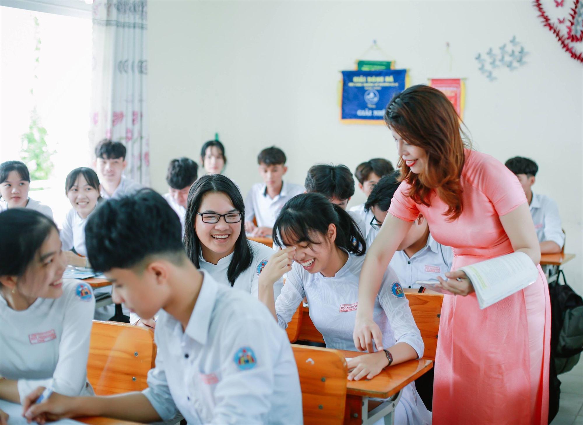 Một giờ học văn ở Trường THPT Hồ Nghinh (Duy Xuyên). Ảnh do nhà trường cung cấp