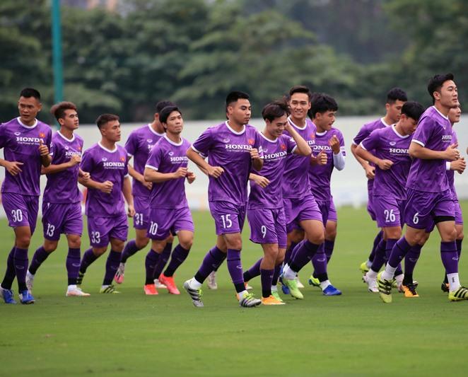Người hâm mộ cả nước đang chờ mong đội tuyển Việt Nam gặt hái được kết quả tốt và hoàn thành mục tiêu tại vòng loại thứ 2 World Cup. Ảnh: VFF