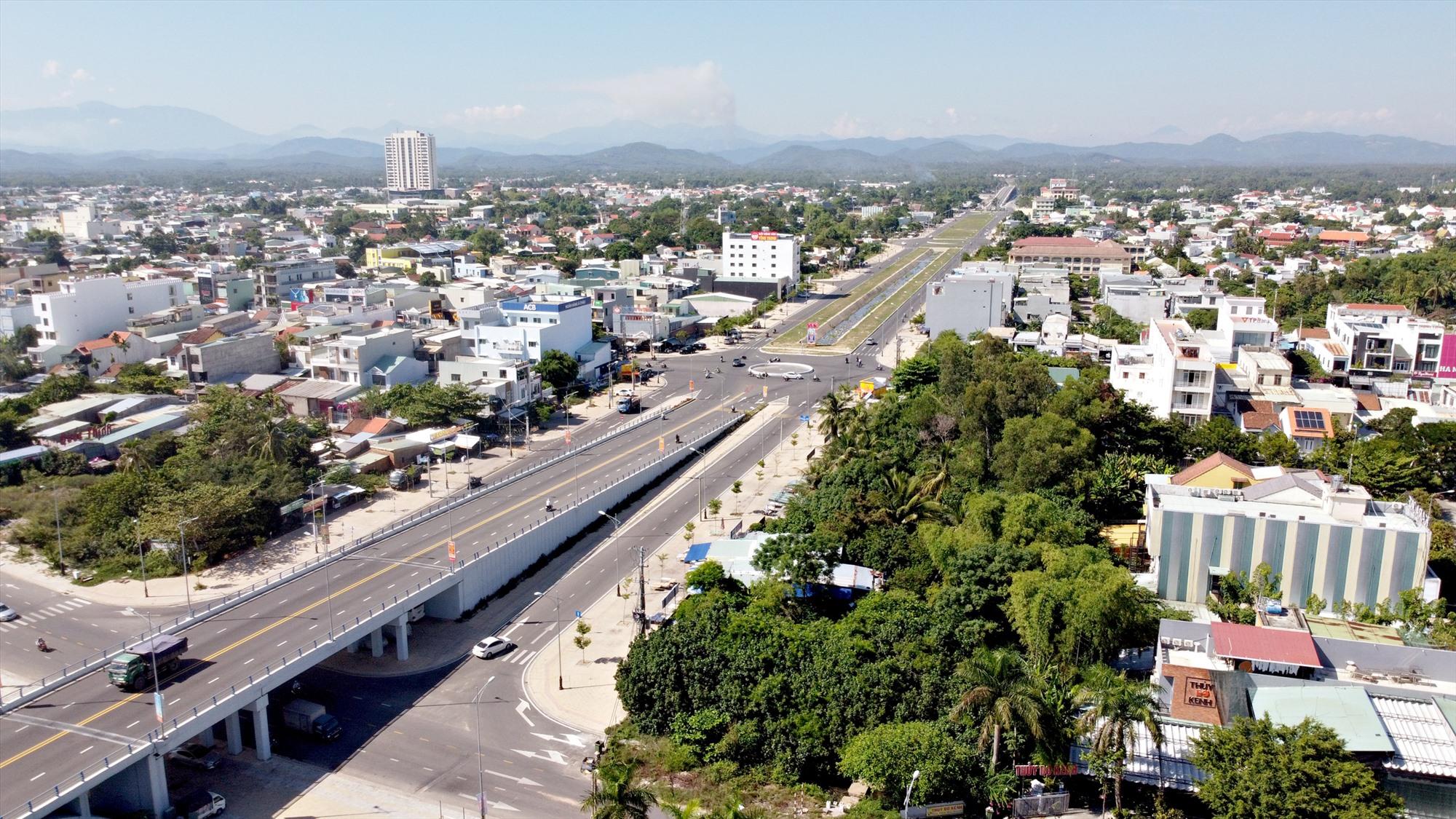 Mục tiêu xây dựng Tam Kỳ cơ bản đạt tiêu chí đô thị loại 1 vào năm 2025. Ảnh: PHƯƠNG THẢO