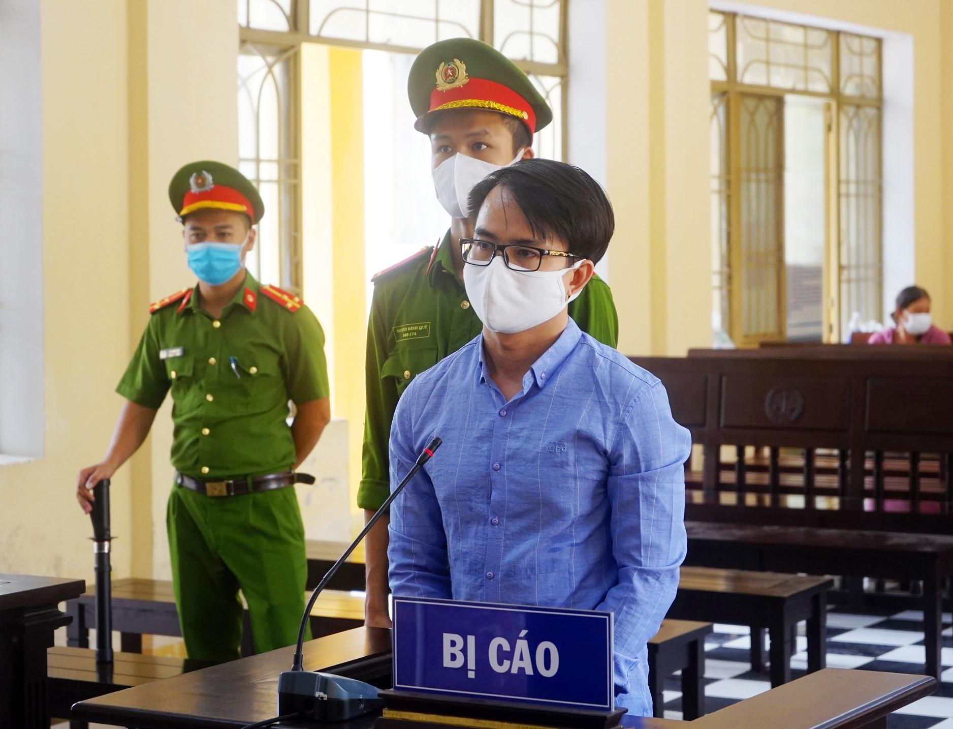 Bị cáo Lê Văn Đông tại phiên tòa. Ảnh: PHƯƠNG LOAN