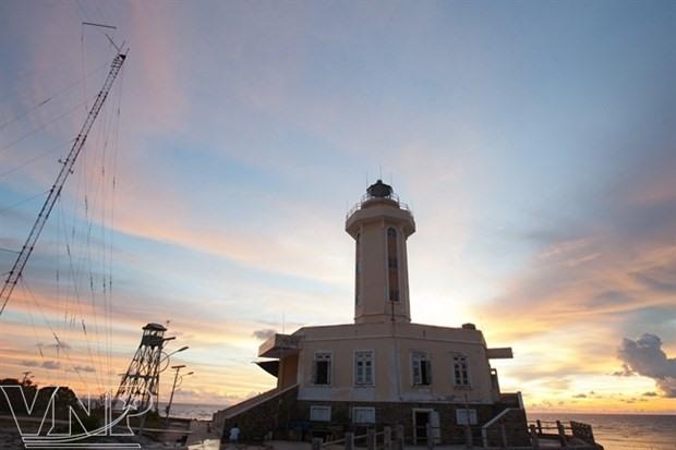 A lighthouse on an island in Truong Sa archipelago (Photo: VNA)