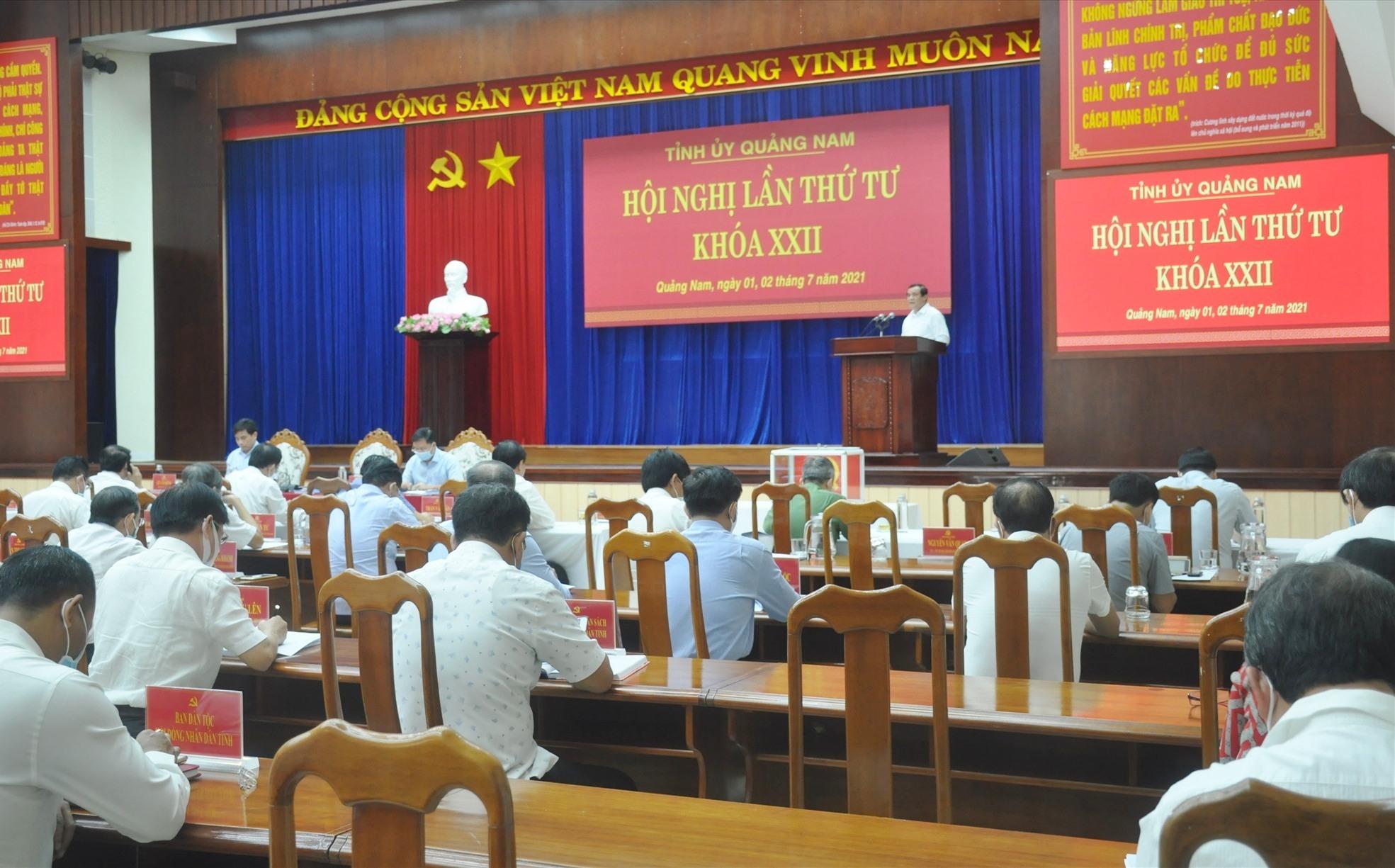 Quang cảnh hội nghị Tỉnh ủy sáng 1.7. Ảnh: N.Đ