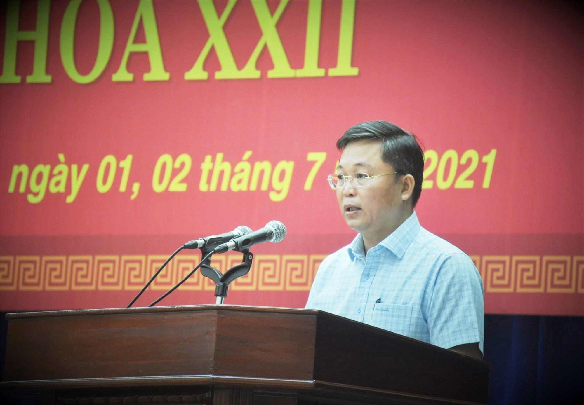 Phó Bí thư Tỉnh ủy, Chủ tịch UBND tỉnh Lê Trí Thanh trình bày báo cáo tổng kết 5 năm thực hiện Nghị quyết 05 của Tỉnh ủy. Ảnh: A.N