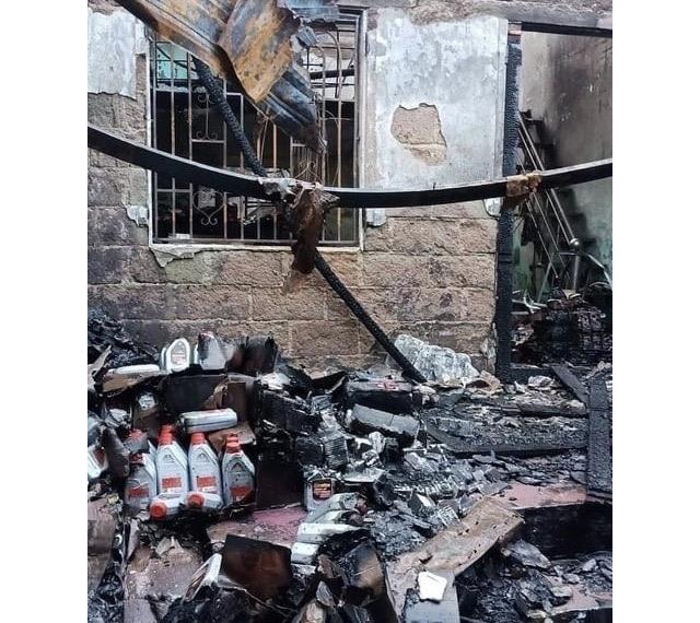 Vụ cháy làm ngôi nhà bị thiêu rụi hoàn toàn. Ảnh: Q.T