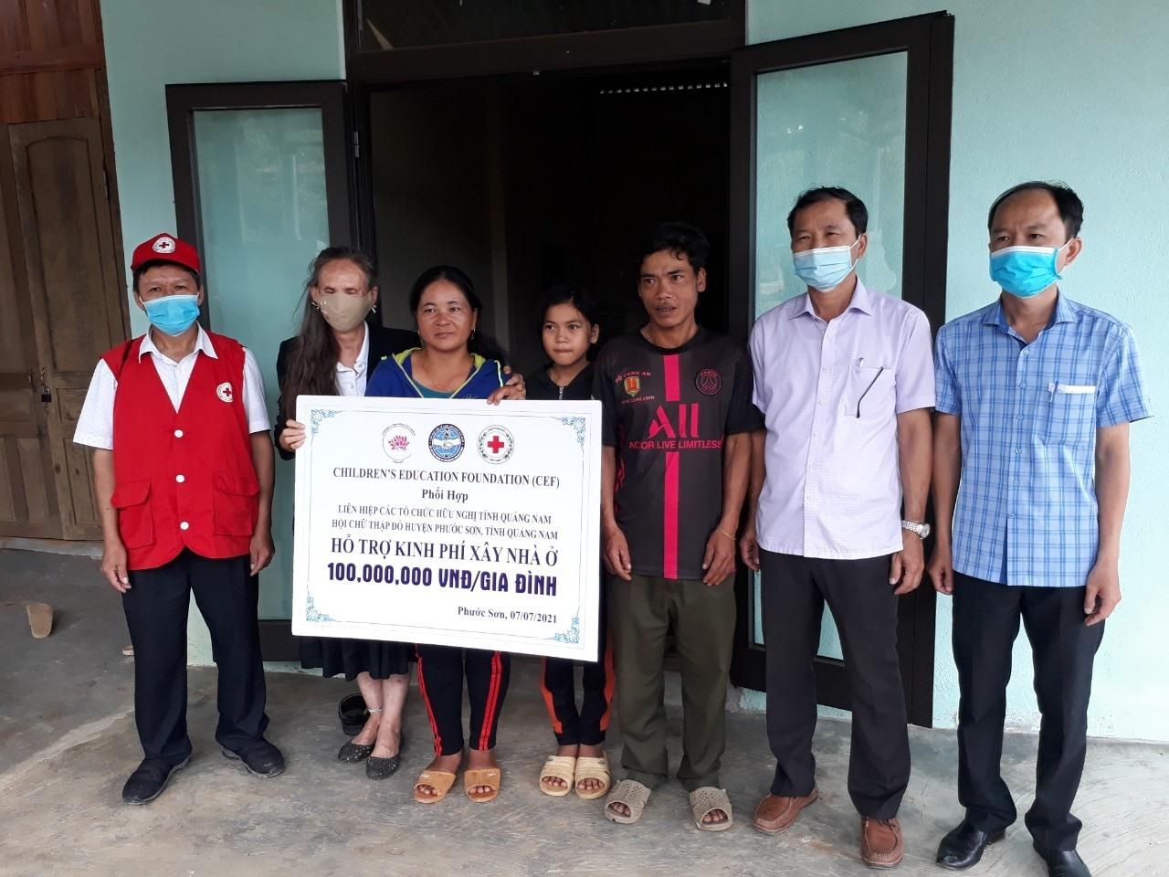 Tổ chức CEF ủng hộ 6 ngôi nhà tình thương cho người dân bị ảnh hưởng sạt lở tại huyện Phước Sơn