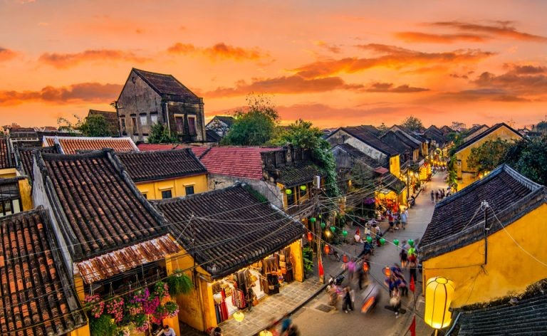 Hoi An ancient town, a UNESCO World Heritage Site, was once a bustling international trading port dating back to the 15th century. This town is very beautiful with colorful lanterns.