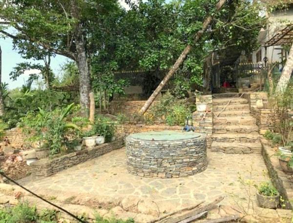 An ancient house in Loc Yen