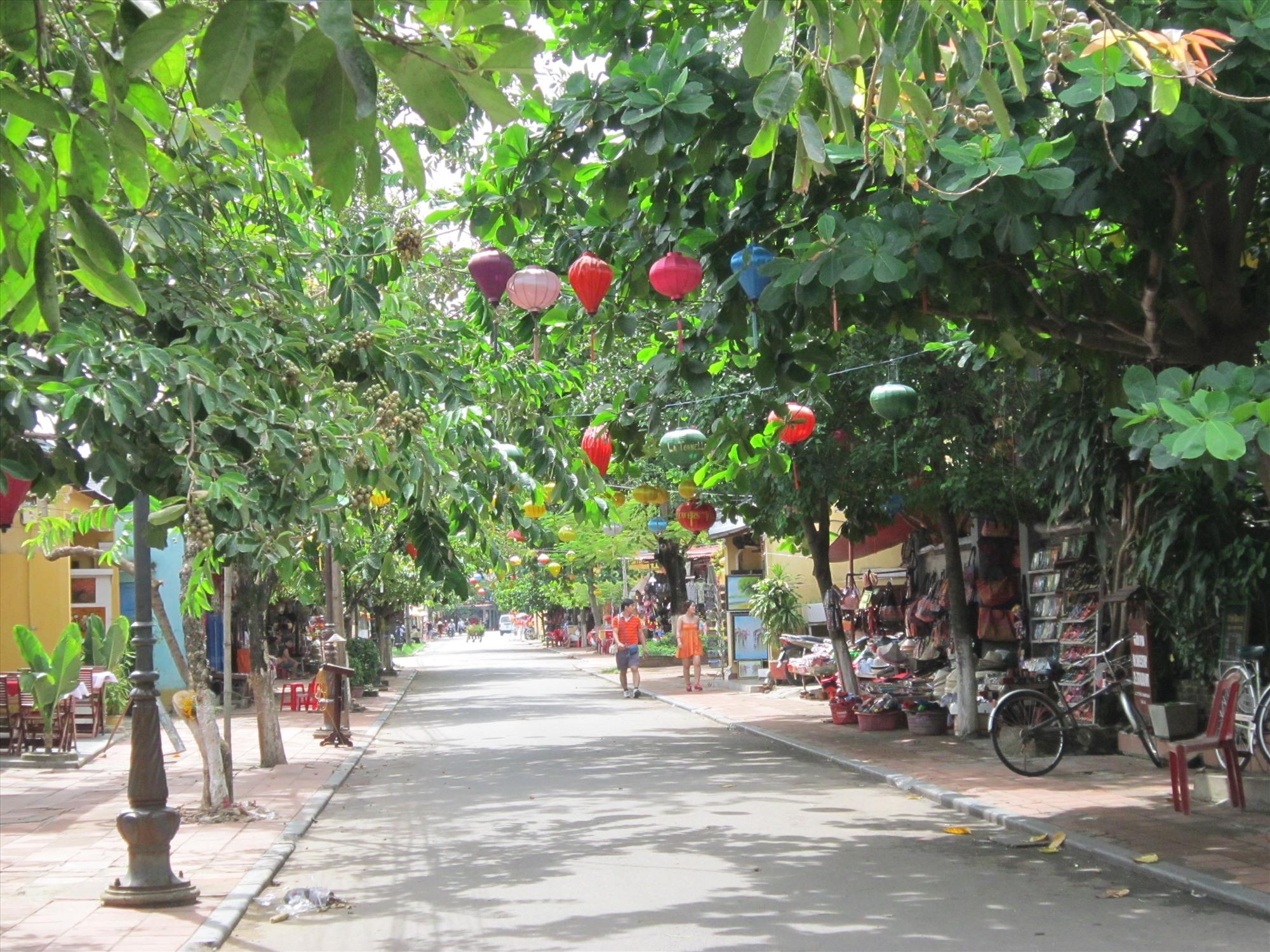 Quảng Nam thuê phần mềm du lịch thông minh. Trong ảnh: Bình yên phố Hội. Ảnh: C.N