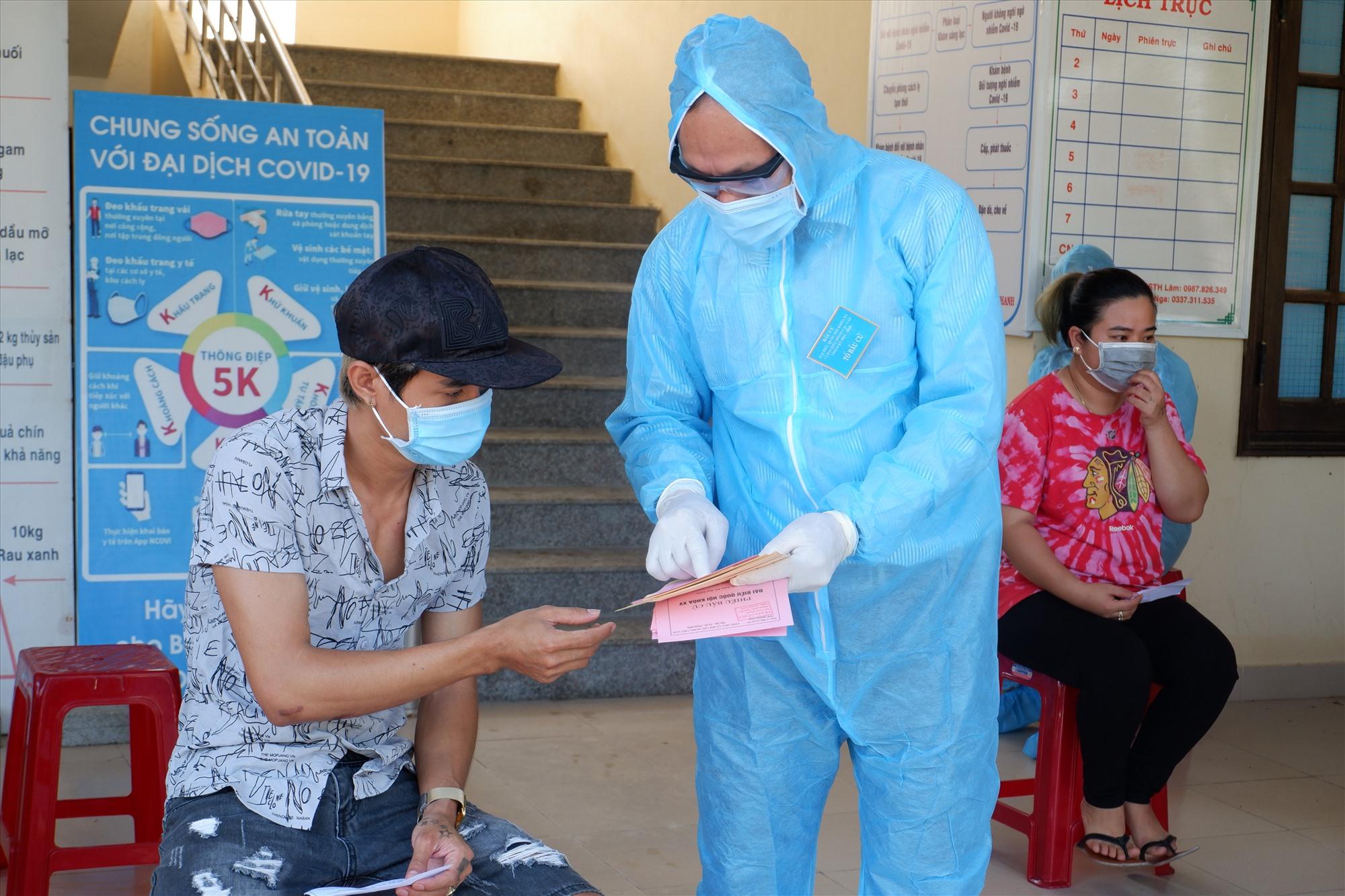 Quảng Nam sẽ hỗ trợ mức 80 nghìn đồng/ngày đối với người cách ly tập trung và bệnh nhân Covid-19 từ ngày 27.4 - 31.12.2021.