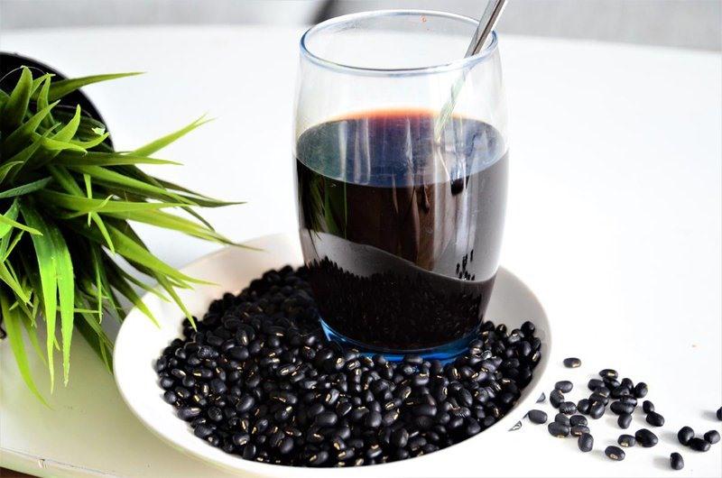 Nước đậu đen rất tốt nhưng cần tránh mắc sai lầm khi dùng sai cách. Ảnh minh họa