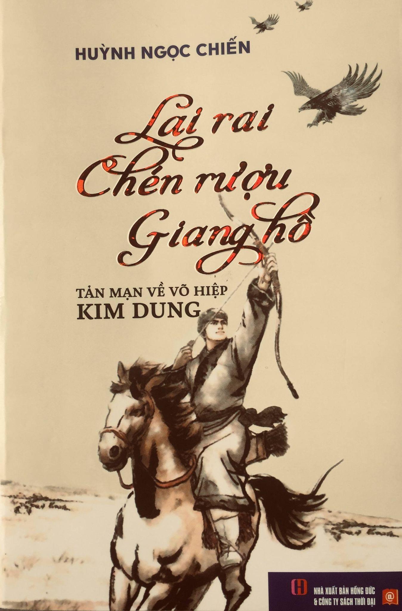 """Bìa tập sách """"Lai rai chén rượu giang hồ"""". Ảnh: T.N"""