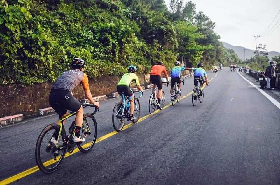 Dịch Covid -19 bùng phát khiến nhiều người dân quan tâm hơn đến môn thể thao xe đạp