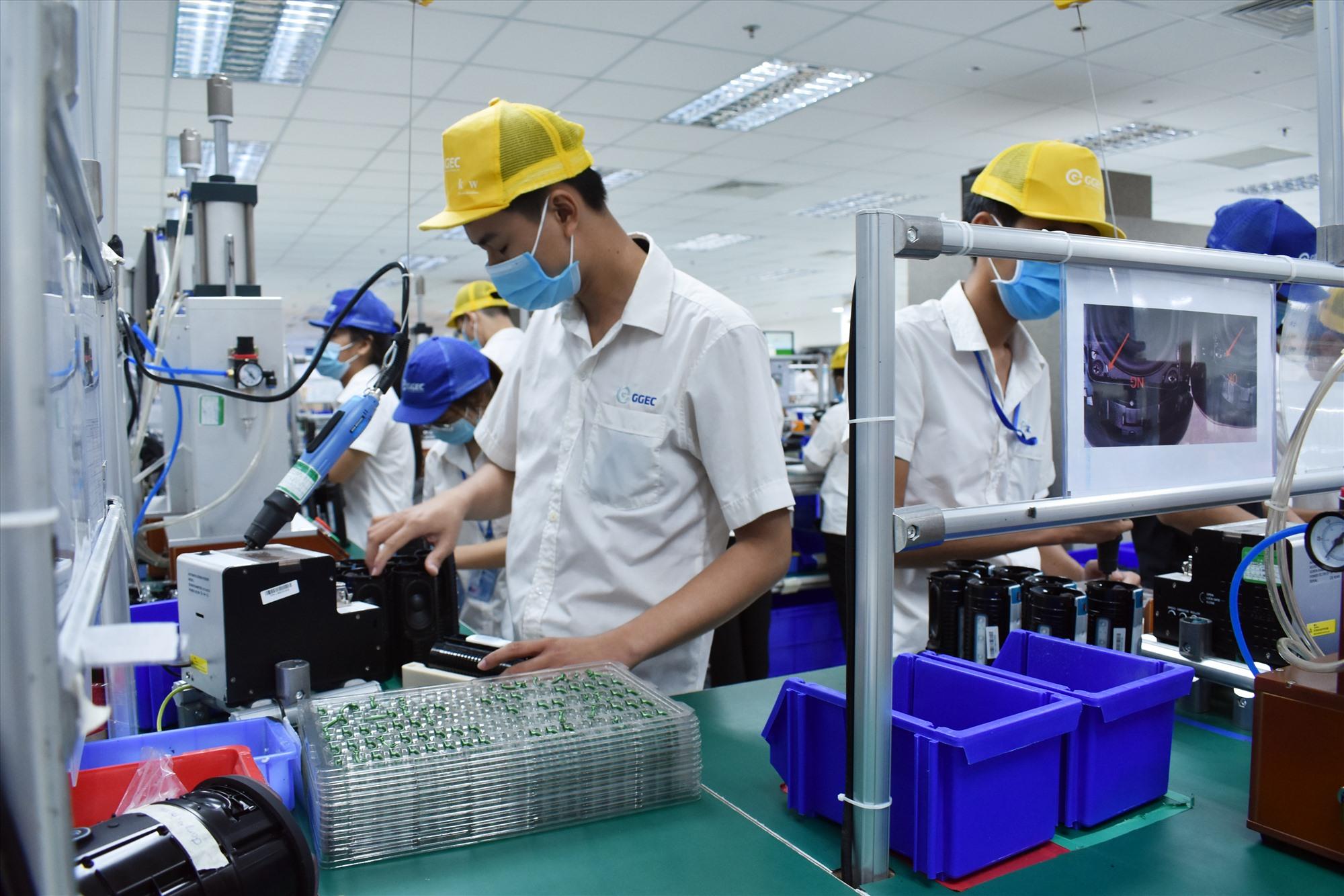Nhiều doanh nghiệp trên địa bàn tỉnh bố trí nơi ở tại chỗ cho người lao động có nhà ở tại Đà Nẵng. Ảnh: P.V