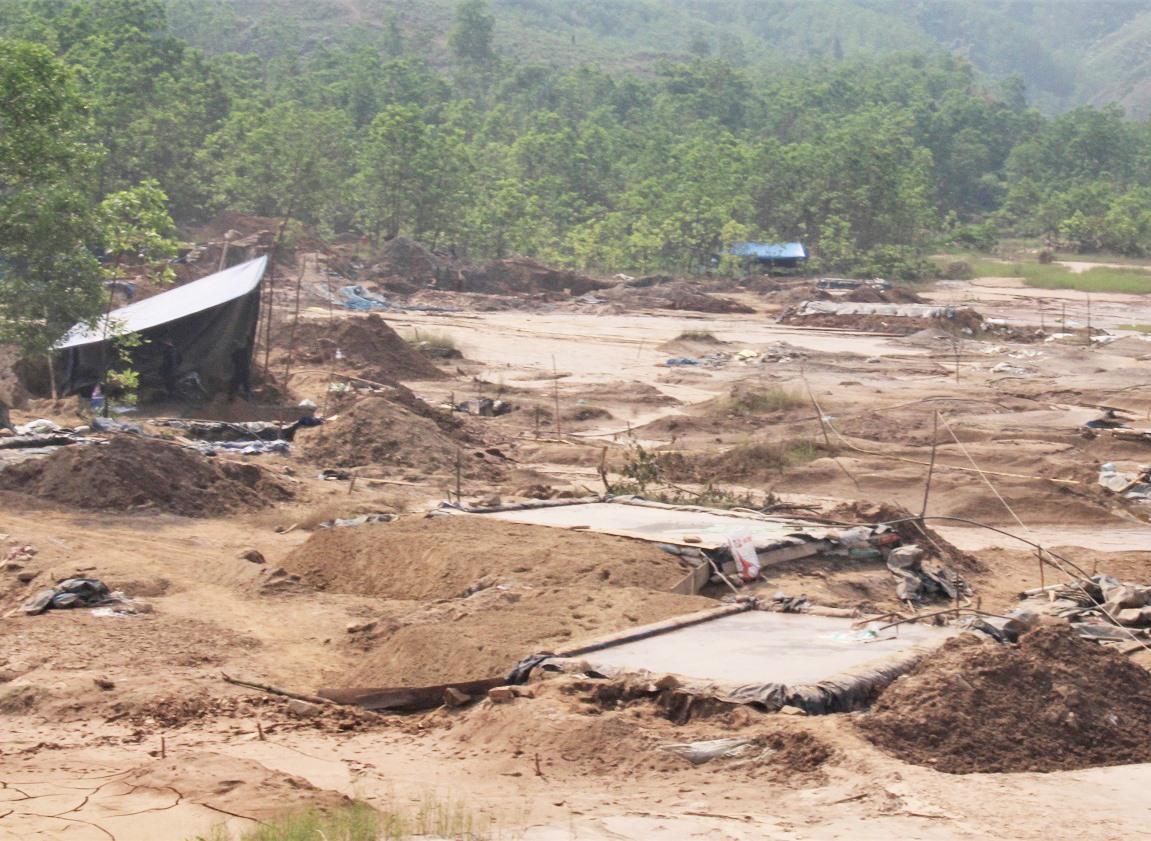 Tình trạng khai thác vàng trái phép vẫn là vấn nạn nhức nhối ở Bồng Miêu.