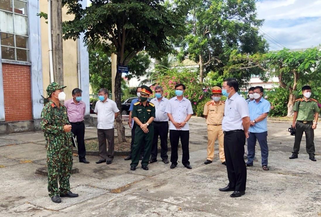 Chủ tịch UBND tỉnh Lê Trí Thanh kiểm tra các khu cách ly chuẩn bị đón bà con vùng dịch về quê.