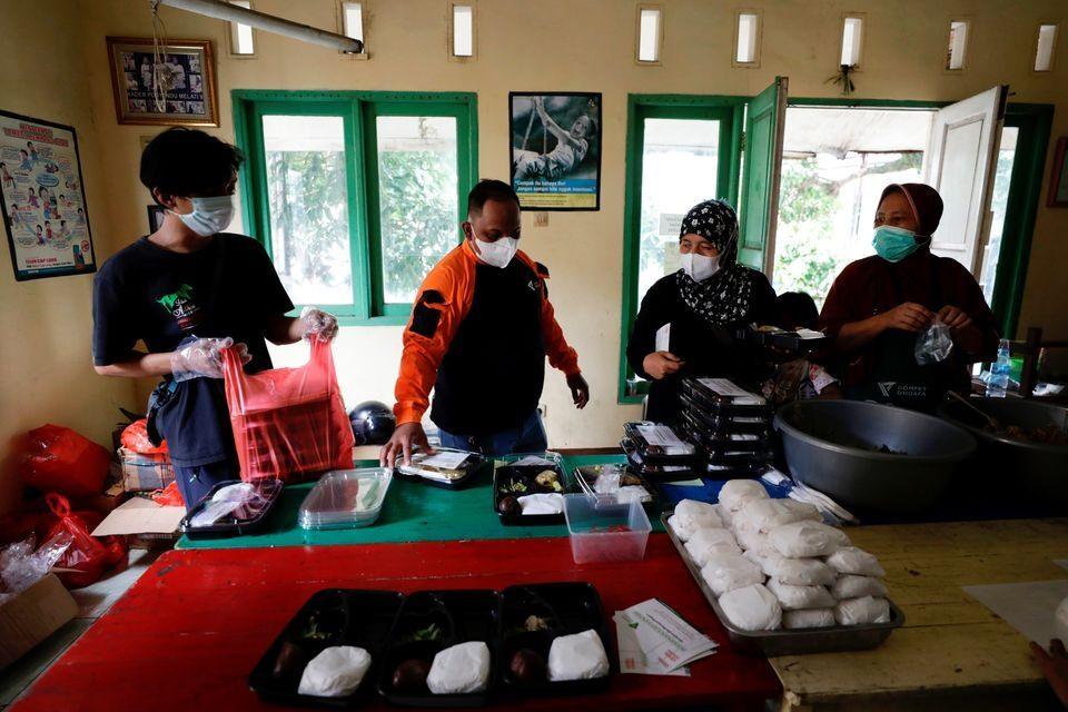 Bếp ăn từ thiện Dompet Dhuafa tại Indonesia. Ảnh: Reuters