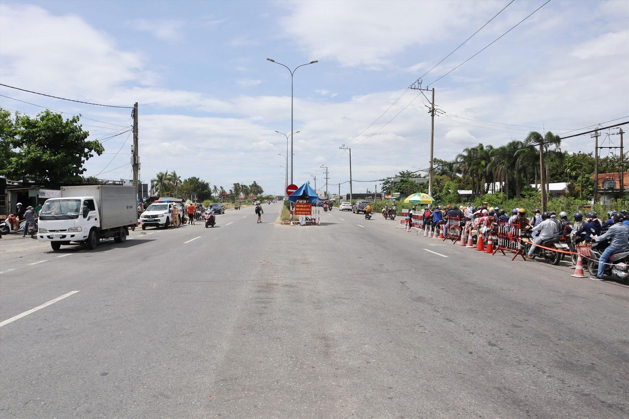 Ở chiều ngược lại, có rất ít người dân Quảng Nam ra TP.Đà Nẵng. Ảnh: Q.T