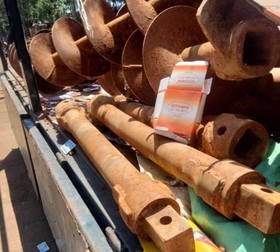 Số lượng lớn sắt các đối tượng trộm đem bán phế liệu.