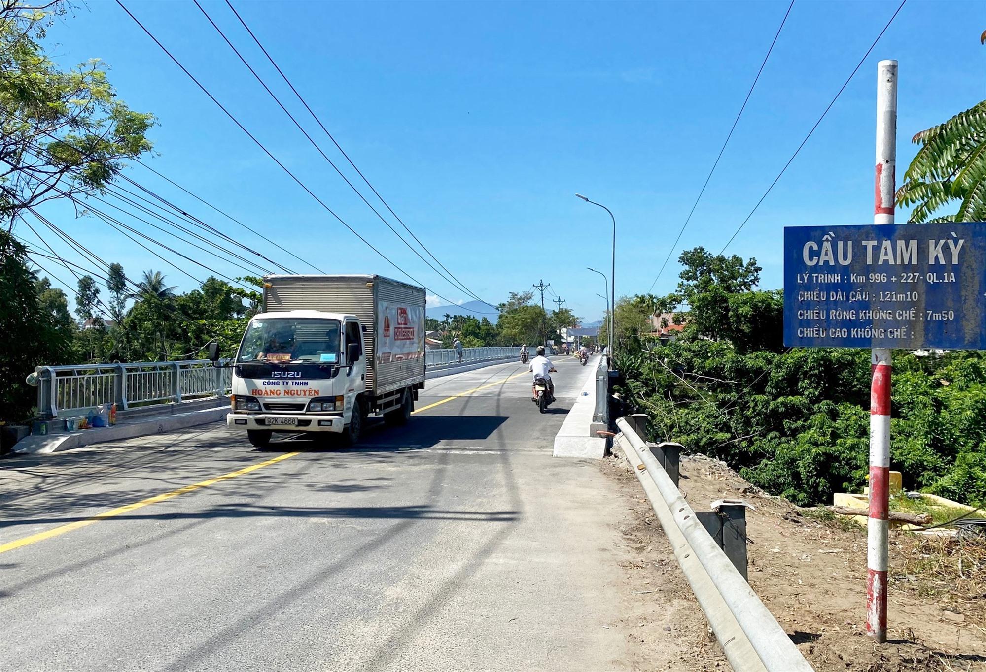 Sau khi hoàn thành sửa chữa, cầu Tam Kỳ (cũ) đã chính thức cho thông xe vào ngày 17.07.2021. Ảnh: T.K