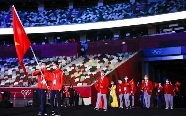 Trong đó có đoàn thể thao Việt Nam tham gia diễu hành tại lễ khai mạc. Ảnh: vtv