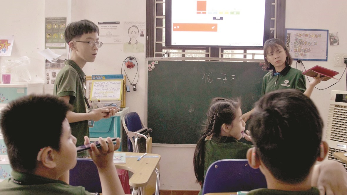 A class for hard-of-hearing children
