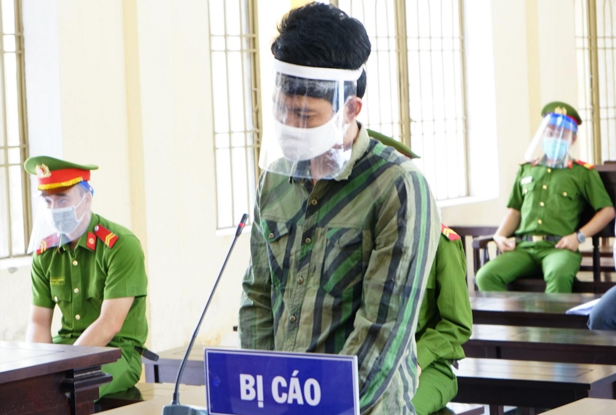 Bị cáo Nguyễn Xuân Mãi tại phiên tòa. Ảnh P.L