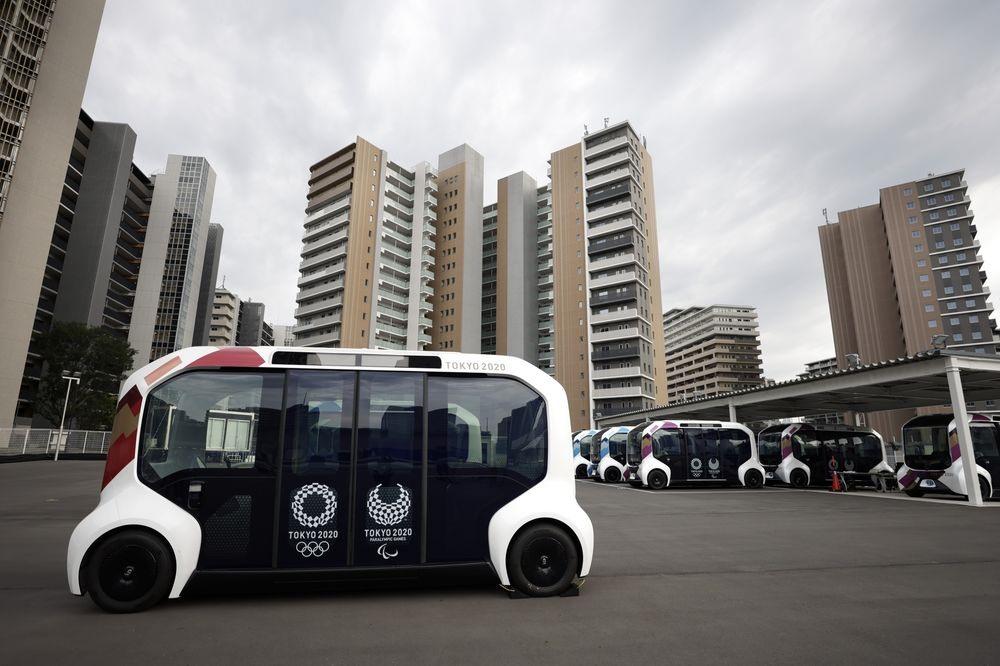 Nhà sản xuất ô tô Nhật Bản Toyota đã đưa vào vận hành những chiếc xe e-Palette tự lái. Ảnh: Bloomberg