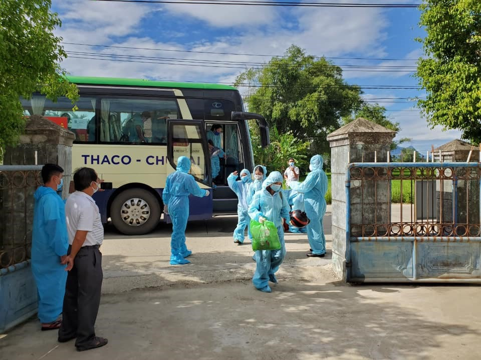 Thị xã Điện Bàn đã đón 40 công dân từ TP.Hồ Chí Minh trở về và đang tiếp tục kế hoạch đón người về đợt 2. Ảnh: X.H