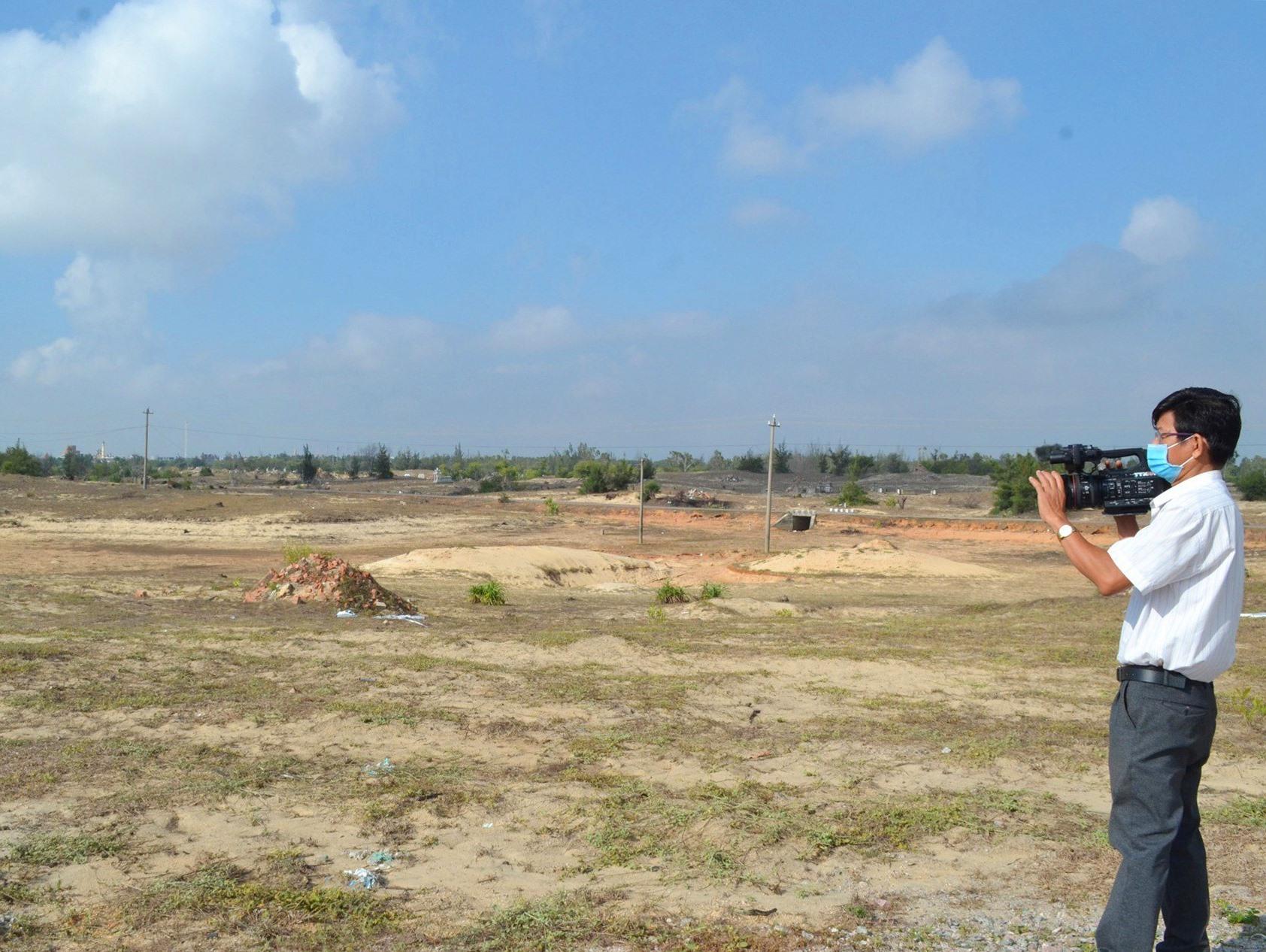 Khu dịch vụ nghỉ dưỡng Bình Dương (huyện Thăng Bình) của Công ty Cp Đạt Phương là dự án lớn quy mô diện tích 199ha nhưng chậm triển khai. Ảnh: Q.V