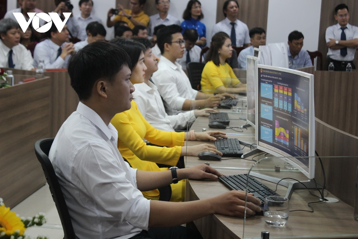 Atmosphere at the Quang Nam Intelligent Operations Centre. Photo: VOV