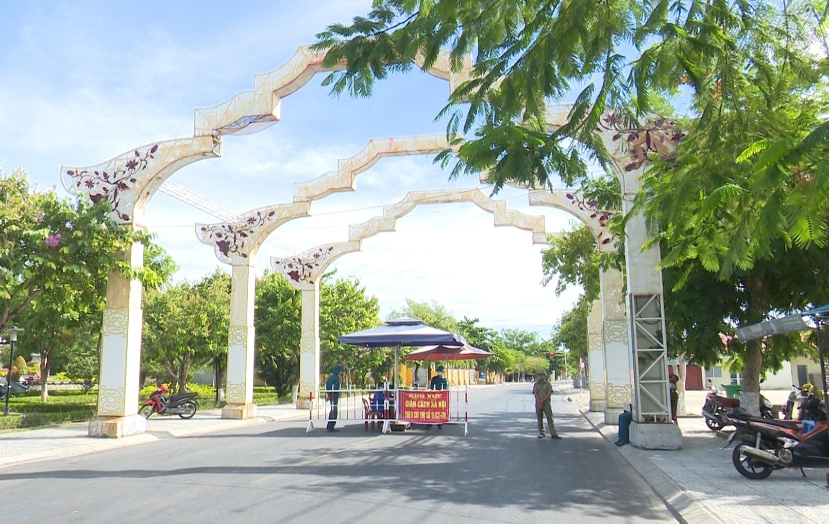 Ngã tư Hai Bà Trung và Nguyễn Tất Thành lúc 8h sáng ngày 31.7.2021