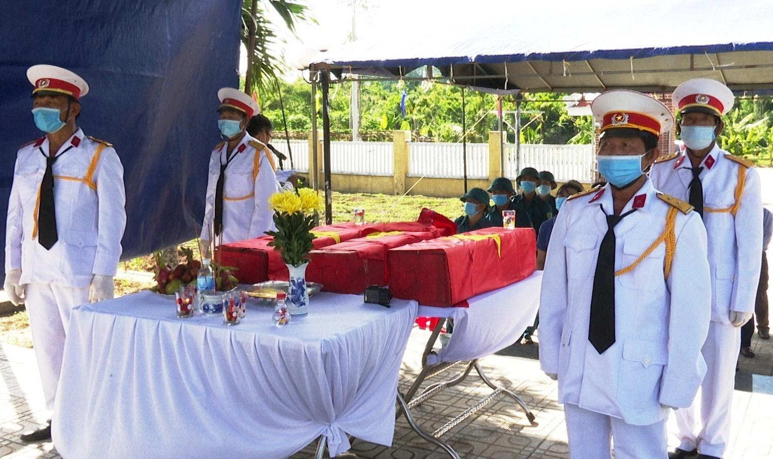 Tiên Phước tổ chức truy điệu và an táng 3 hài cốt liệt sĩ vào Nghĩa trang liệt sĩ