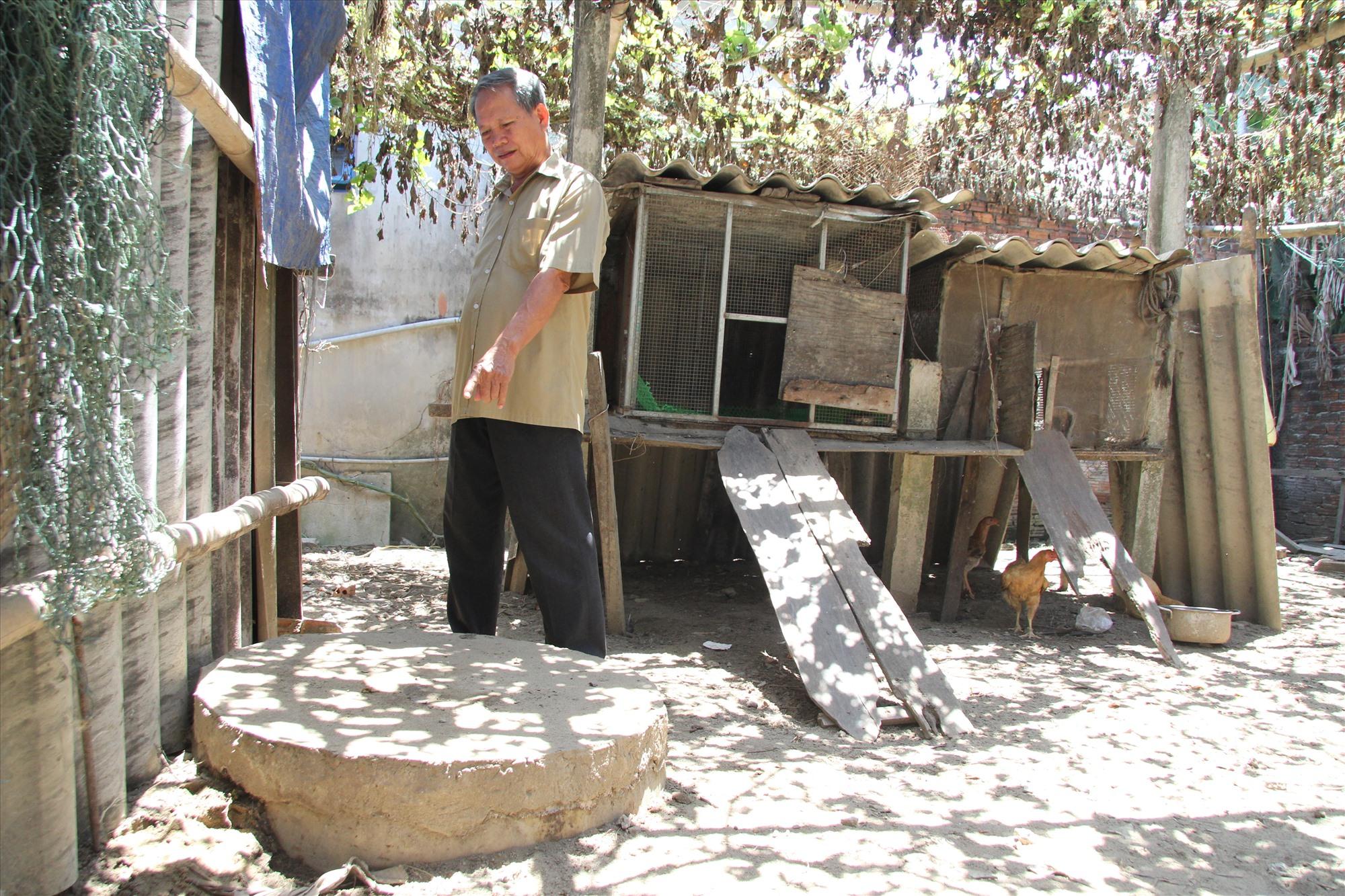 Mô hình bể lắng ngầm ủ phân tại một trang trại chăn nuôi lợn trên địa bàn xã Cẩm Kim (TP.Hội An).