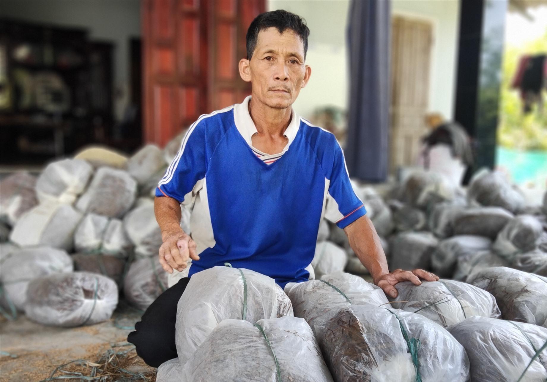 Hộ Lê Văn Lan mong muốn sau thử nghiệm sẽ hạn chế được lượng phế thải từ nấm rơm ra môi trường