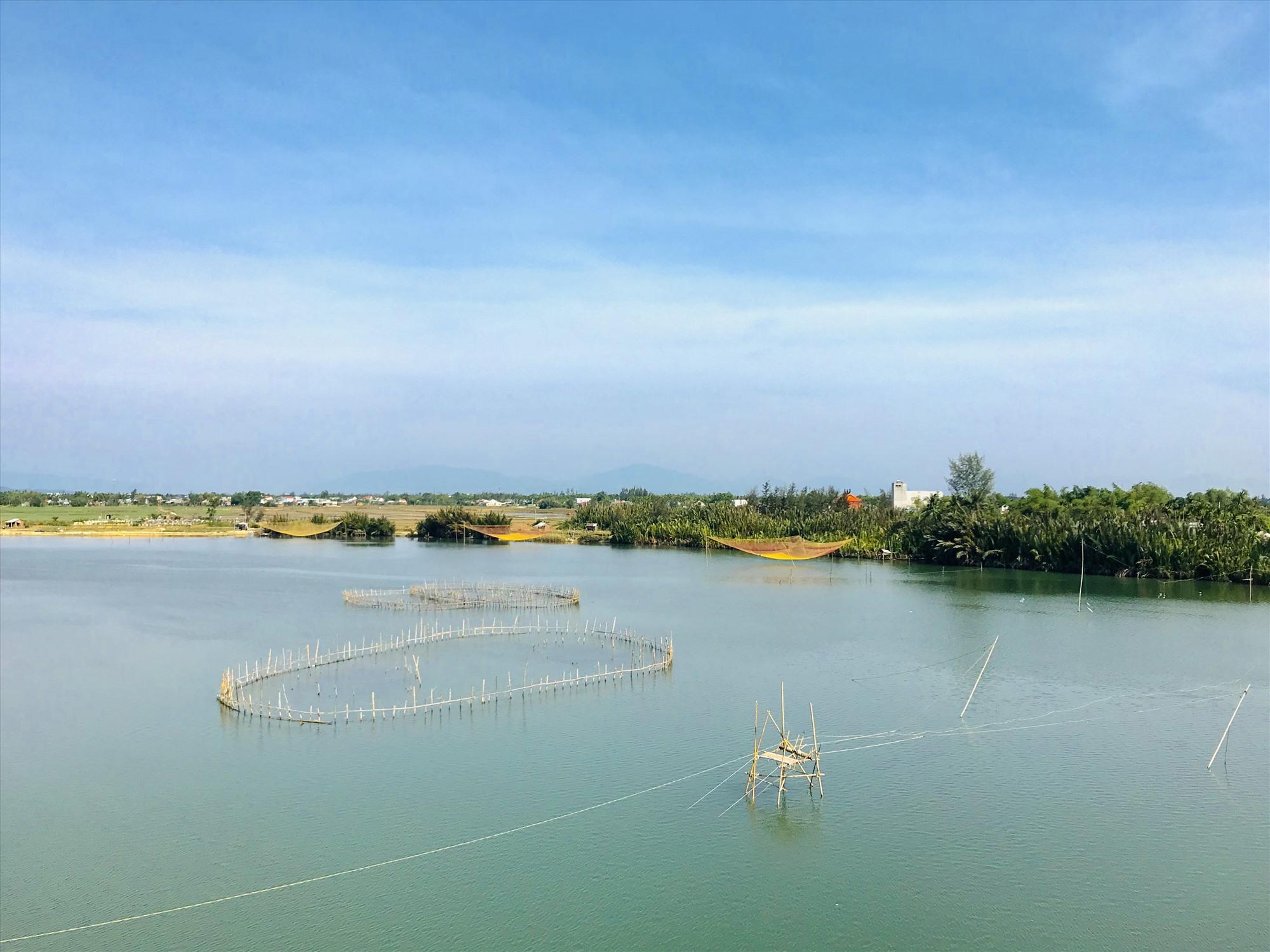Sông Trường Giang đoạn qua Duy Xuyên. Ảnh: Q.T