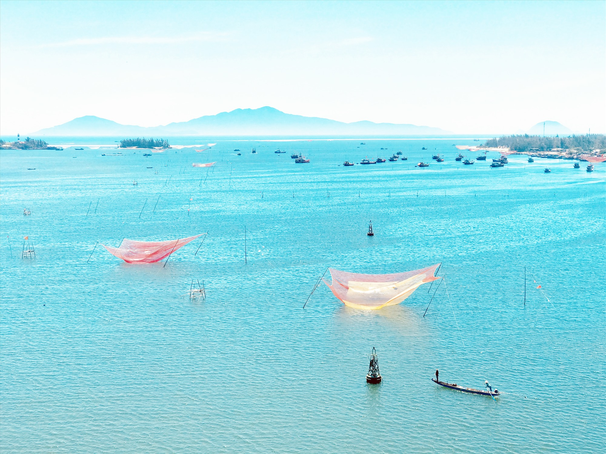Sông Thu Bồn đổ ra Cửa Đại. Ảnh: Quốc Tuấn